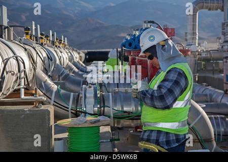 Los Angeles Wasser zurück zu Owens Lake 100 Jahre nach dem Bau Los Angeles Aquädukt - Stockfoto