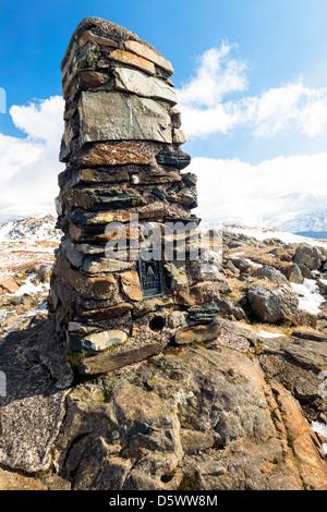 Der Gipfel Cairn der Hochsitz im Lake District in Cumbria - Stockfoto
