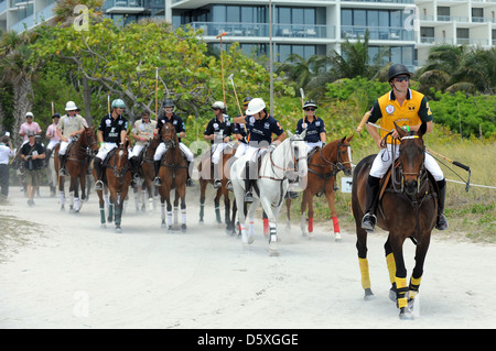 Polo passen AMG Beach Polo Event Miami Beach, Florida - 22.04.11 - Stockfoto