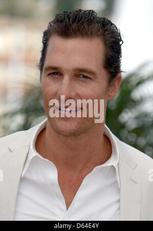 """Schauspieler Matthew McConaughey stellt bei dem Fototermin """"Mud"""" während der 65. Filmfestspiele von Cannes am Palais des Festivals in Cannes, Frankreich, am 26. Mai 2012. Foto: Hubert Boesl"""