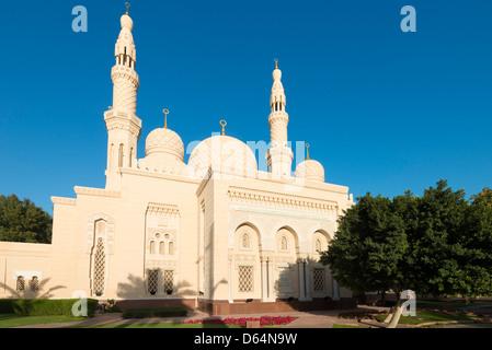 Blick auf Jumeirah Grand Moschee in Dubai, Vereinigte Arabische Emirate VAE - Stockfoto