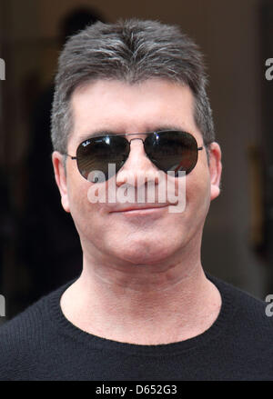 "London, UK. 11. April 2013. Simon Cowell bei ""Britain es Got Talent"" Pressekonferenz, an der ICA, London - 11. April - Stockfoto"