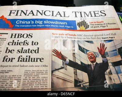 """""""HBOS-Chefs sollen wegen Misserfolg entlassen werden"""" und BBC-Generaldirektor Lord Tony Hall Financial Times Titelseite - Stockfoto"""