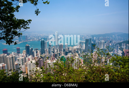China, Hong Kong, Hong Kong Island, The Peak, Blick auf Central District und den Victoria Harbour von Victoria Peak - Stockfoto