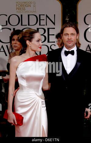 US-Schauspieler Angelina Jolie und Brad Pitt besuchen die 69. Annual Golden Globe Awards am 15. Januar 2012 von - Stockfoto