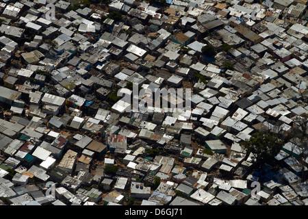 Imizamo Yethu Township, Hout Bay, Kapstadt, Südafrika - Antenne - Stockfoto