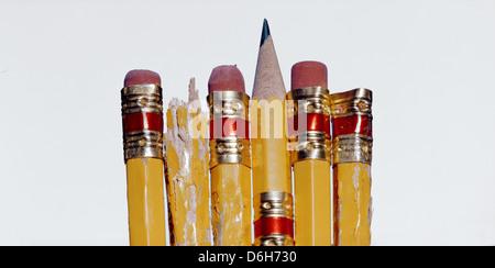 Nahaufnahme von zerkaute Bleistifte - Stockfoto