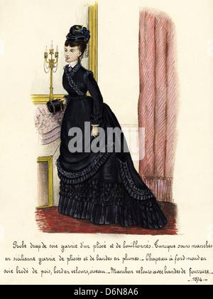 Französischer Mode aus der viktorianischen Ära datiert 1874. Original Aquarell-Malerei mit Beschreibung des Designs - Stockfoto