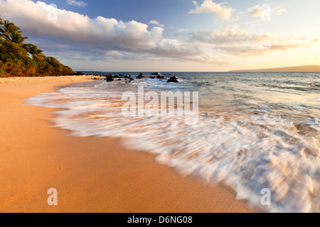Oneloa Beach oder 'Grosse' Beach im Staatspark Makena, Maui, Hawaii - Stockfoto