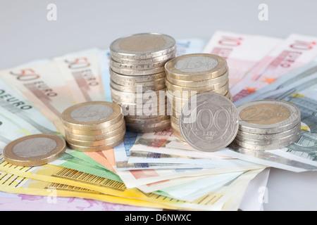 Lira Münzen Und Scheine Ehemalige Italienische Währung Stockfoto