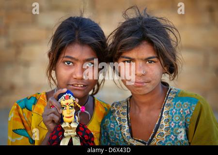 Porträt von Mädchen Indien, Jaisalmer, Indien - Stockfoto