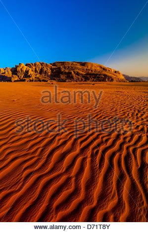 Arabische Wüste Wadi Rum, Jordanien. - Stockfoto