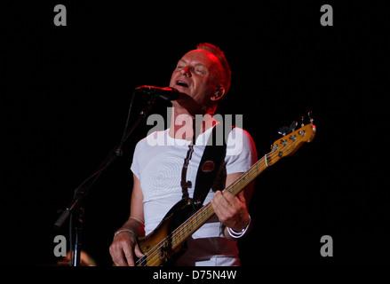 Englischer Musiker führt Sting während eines live-Events in der spanischen Baleareninsel Ibiza.