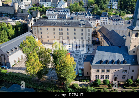 Ansicht der Neumuenster Abbey, gesehen von der Corniche, Luxemburg, Europa - Stockfoto
