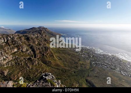 Table Mountain View auf die zwölf Apostel, Cape Town, Südafrika - Stockfoto