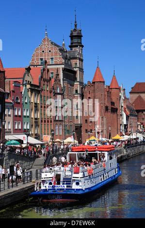 Touristischen Kreuzfahrtschiff, Promenade am Fluss Mottlau, Danzig, Polen - Stockfoto