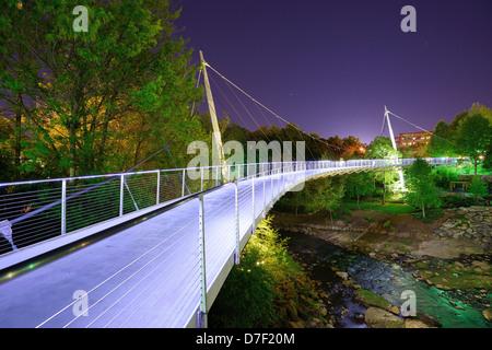 Freiheitsbrücke in Falls Park, Greensville, South Carolina. - Stockfoto