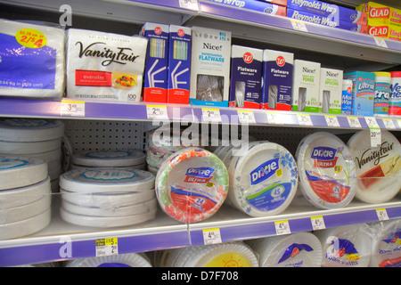 Miami Beach Florida Walgreens einkaufen Einzelhandel anzeigen Konkurrenzmarken für Verkauf Regale Verpackung Papier - Stockfoto