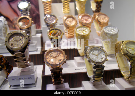 Miami Beach Florida Lincoln Road Fußgängerzone einkaufen Einzelhandel Schaufenster zum Verkauf Uhren, Michael Kors - Stockfoto