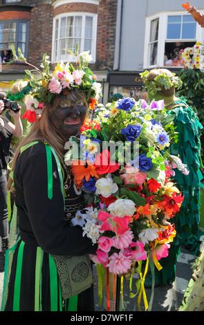 Schwarz Sal eine traditionelle Figur Jack-in-the-Green Day Parade, Hastings England Großbritannien - Stockfoto