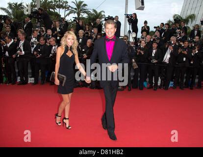 """Cannes, Frankreich. Am 16. Mai besuchen 2013.Actor David Hasselhoff und Hayley Roberts die Premiere von """"Jeune Et - Stockfoto"""
