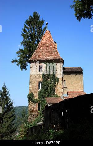 Auf die Bergkirche, schwarze Din Deal, Turm von der Friedhofsmauer des evangelischen Friedhofes Hügels, Cimitirul - Stockfoto