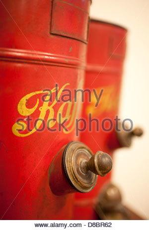 Kaffee-Spender in einem Coffee shop - Stockfoto