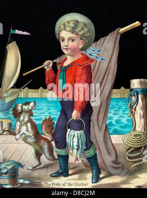 Der Stolz des Hafens - der junge Seemann Outfit, zu Fuß entlang einer Werft mit einem Fischernetz und mehrere Fische - Stockfoto