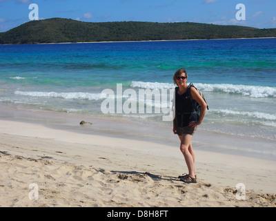 Frau auf Karibik-Sand-Strand - Stockfoto