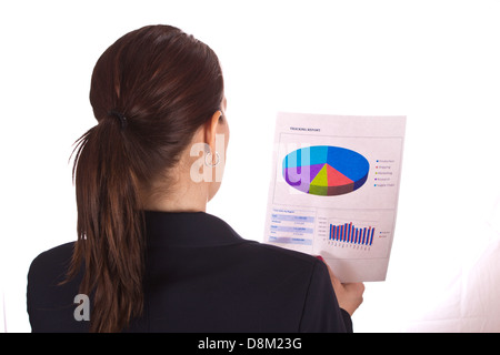 Business-Frau liest einen Bericht. - Stockfoto