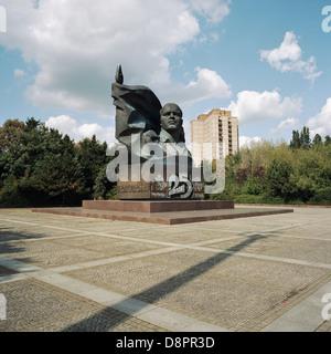 Berlin. Deutschland. Denkmal an ehemaligen kommunistischen Parteivorsitzenden Ernst Thälmann (1886-1944), in Prenzlauer - Stockfoto