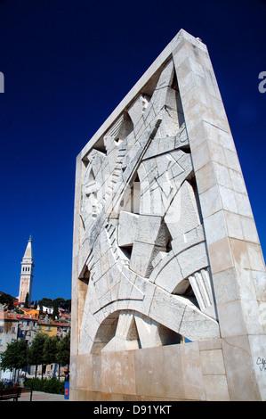 Denkmal zur Erinnerung an die Verstorbenen im Kampf gegen die Facists im Jahre 1956, Rovinj, Istrien, Kroatien - Stockfoto