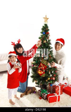 Familie Weihnachten zu feiern - Stockfoto