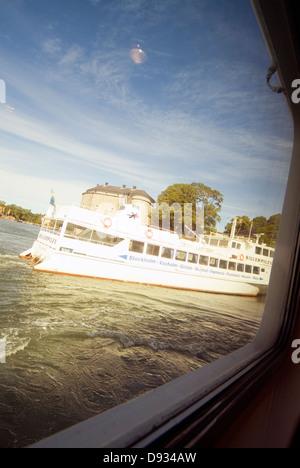 Eine Fähre in Vaxholm, Stockholm, Schweden. - Stockfoto