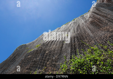 Mauis mit Stein-Stützmauer, Autos zu schützen - Stockfoto