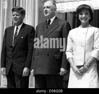 US-Präsident John Kennedy, Präsident Charles de Gaulle und Jackie Kennedy in Paris im Élysée-Palast 31. Mai 1961 - Stockfoto