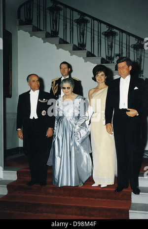 Präsident John F. Kennedy trifft sich mit Präsident Habib Bourguiba von Tunesien 1957-1987. Washington DC 4. Mai - Stockfoto