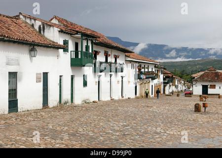 Plaza Mayor (Hauptplatz) von der schönen kolonialen Dorf von Villa de Leyva, Kolumbien, Südamerika - Stockfoto