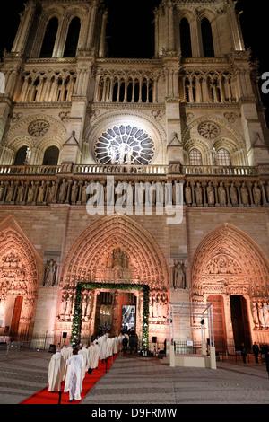 Eröffnungsfeier der Kathedrale Notre-Dame de Paris auf 850 Jahre Jubiläum, Paris, Frankreich - Stockfoto