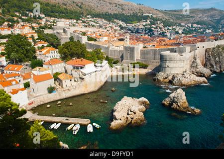 Altstadt von Dubrovnik und die Stadtmauern, UNESCO-Weltkulturerbe von Festung Lovrijenac, Dubrovnik, Dalmatien, - Stockfoto