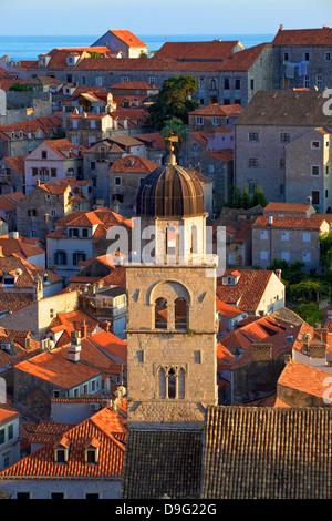 Blick über die Stadt mit Franziskanerkloster, UNESCO-Weltkulturerbe, Dubrovnik, Kroatien - Stockfoto