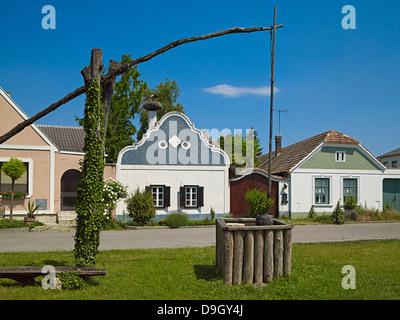 Hufnagel Haus, Burgenland Bauernhaus mit barocken Giebel und Unentschieden in Apetlon, Burgenland, Österreich - Stockfoto