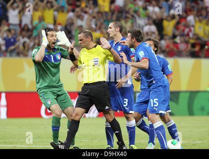 Gianluigi Buffon (ITA), 19. Juni 2013 - Fußball / Fußball: Gianluigi Buffon Italiens Proteste um Schiedsrichter - Stockfoto