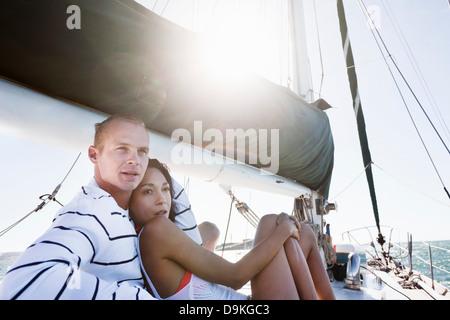 Junges Paar auf yacht - Stockfoto