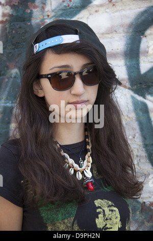 17 Jahre alter Teenager-Mädchen in Brooklyn, New York. - Stockfoto