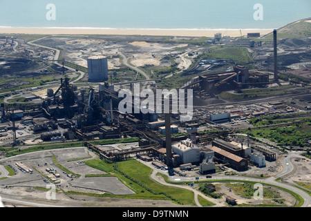 Luftaufnahme von Port Talbot Stahl Werke und Aberavon Beach. Stockfoto