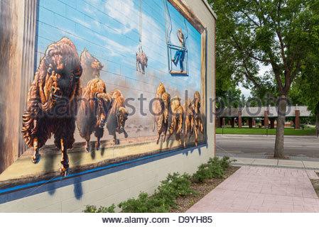 """Öffentliche Wandbild 'Schicksal manifestieren""""von Alex Pavlenko, Lethbridge, Alberta, Kanada - Stockfoto"""