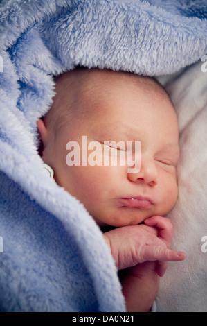 Babyjungen schlafen - Stockfoto