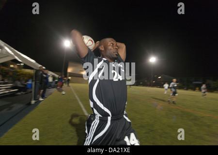 SANTA MONICA, CA-25 APRIL: Jimmy Jean-Louis von Hollywood United Fußball-Nationalmannschaft in Santa Monica, Kalifornien, - Stockfoto