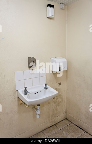 ffentliche waschbecken stockfoto bild 60376580 alamy. Black Bedroom Furniture Sets. Home Design Ideas